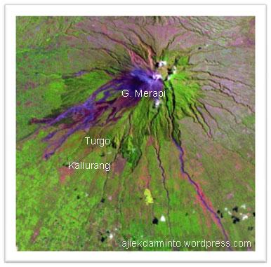 Gunung Merapi dari citra satelit Landsat TM